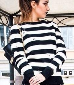 sweater// htc clutch // les fille des fleurs